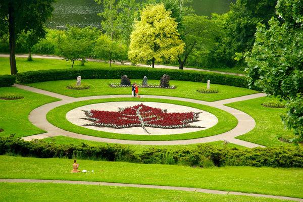 Công viên High rộng 400 mẫu Anh (161 ha)